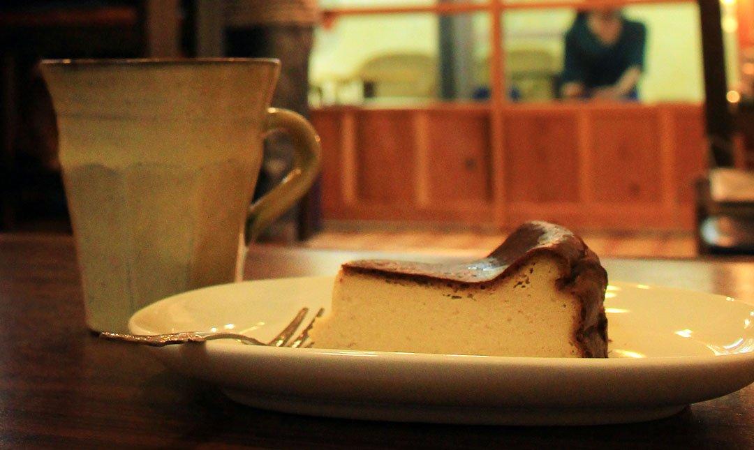 自家焙煎珈琲 道草咖啡-手作沖繩黑糖Cheese蛋糕|超紮實口感