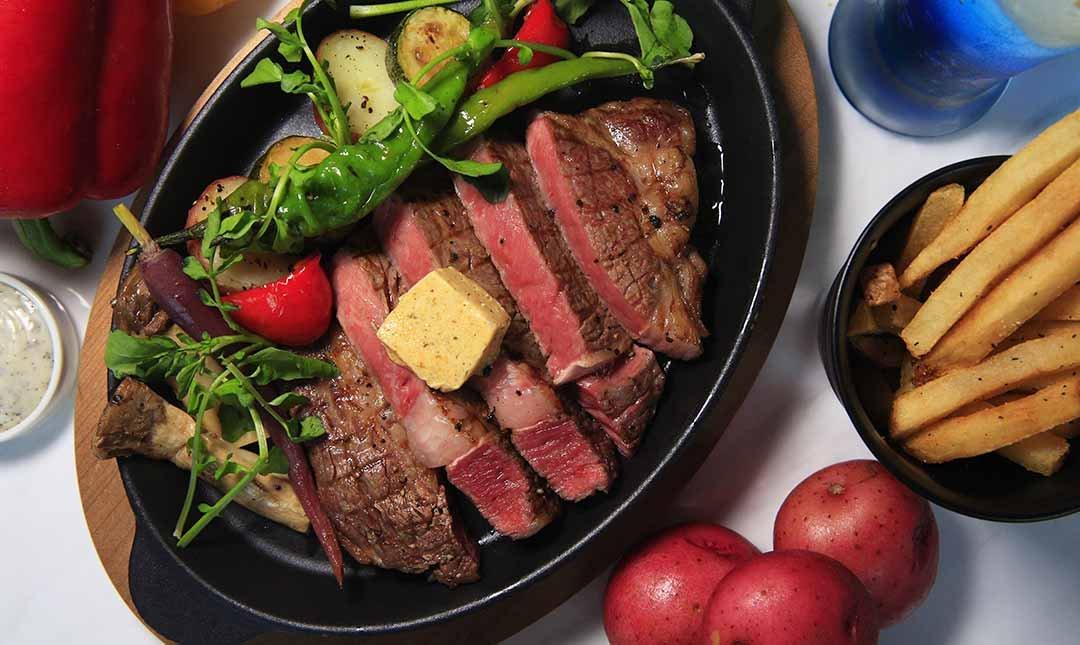 泡泡飯店 Ch-eat&Drink | 忠孝敦化站-經典排餐|12oz肋眼牛排+松露薯條