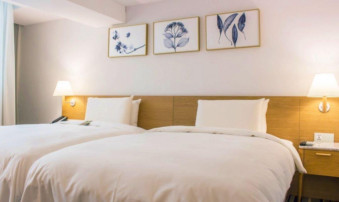 卡爾登飯店 台中館-標準雙床客房 12h