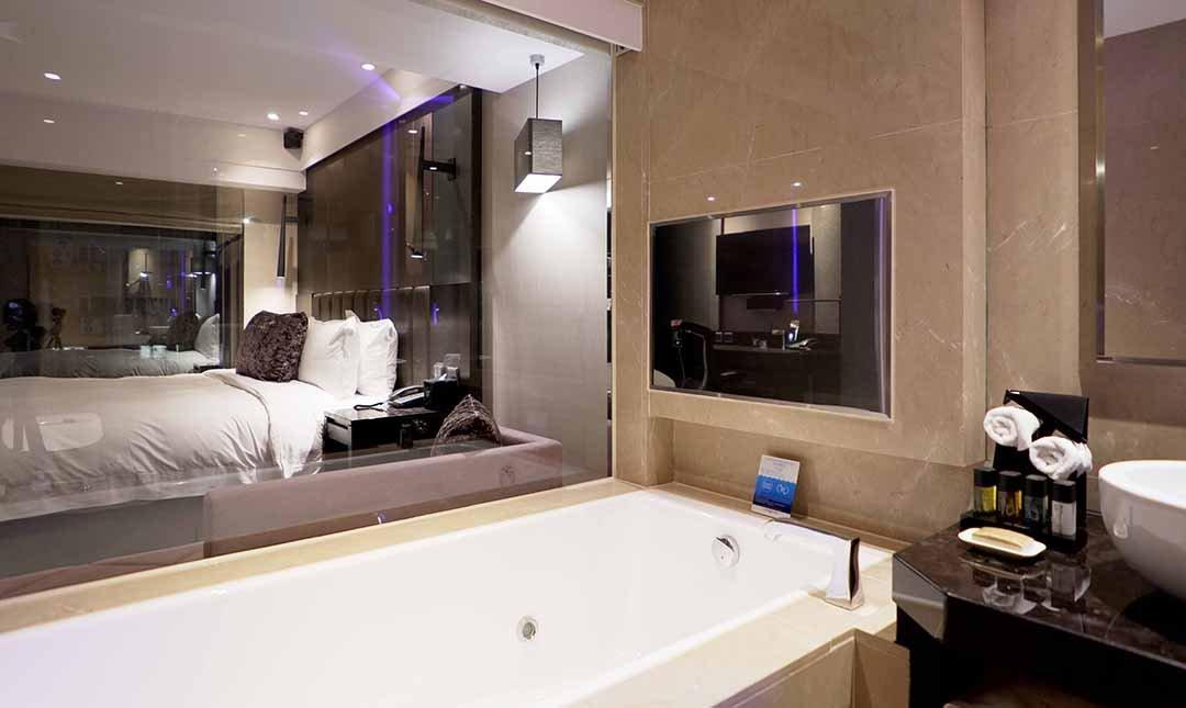 天閣酒店 復興館-天威浴缸大坪數房 12h|房內影音劇院