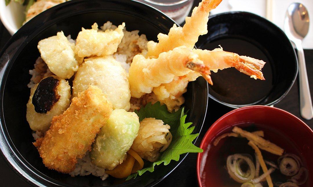 天久露台餐廳-特上炸蝦天婦羅蓋飯