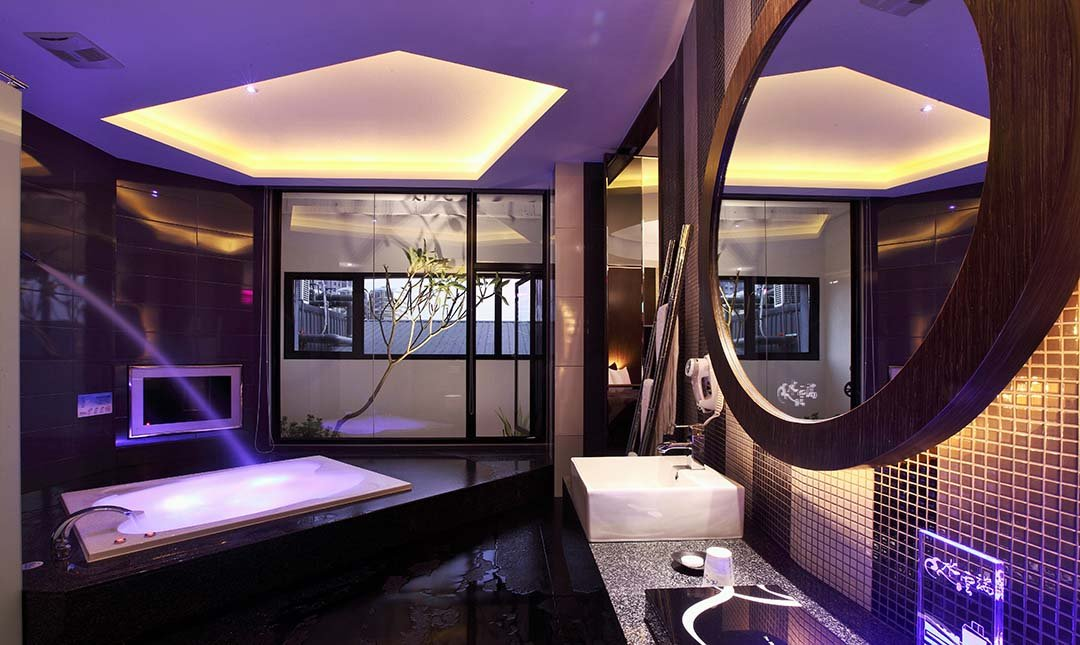 Mulan Villa Spa Motel Taichung-Double Room with Garage 2h