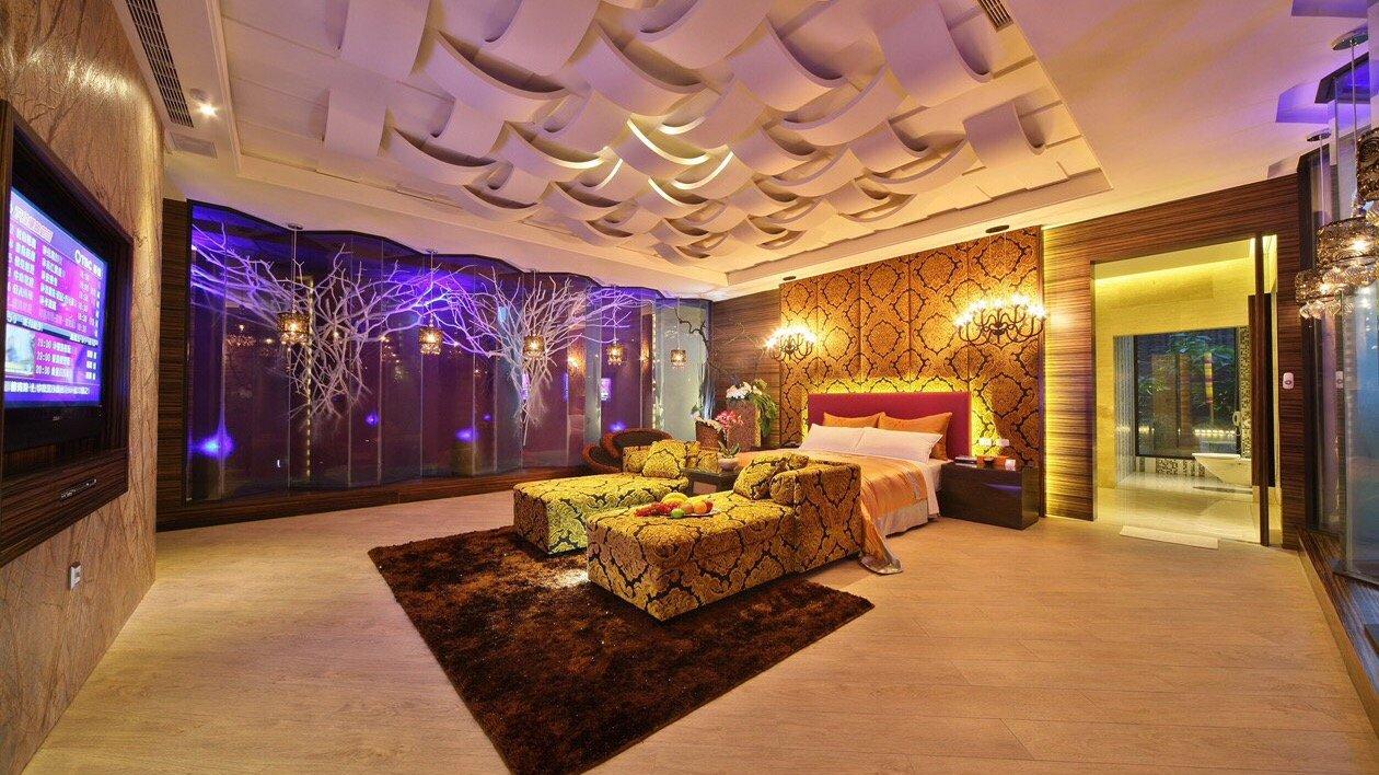 Mulan Villa Spa Motel Taichung-Double Room with Garage |  Breakfast