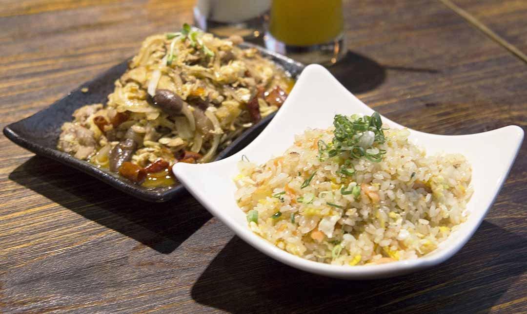 熊燒 Bar 創意餐酒館 南京三民站-鮭魚炒飯 + 特製炒麵 +120 元飲品