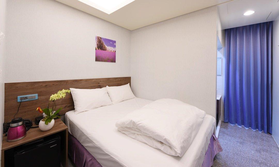 逢甲 Hotel99-舒適雙人房