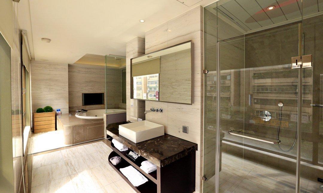 Tango Motel 天豪屋-動力車庫房 12h〡溫泉浴加蒸氣室