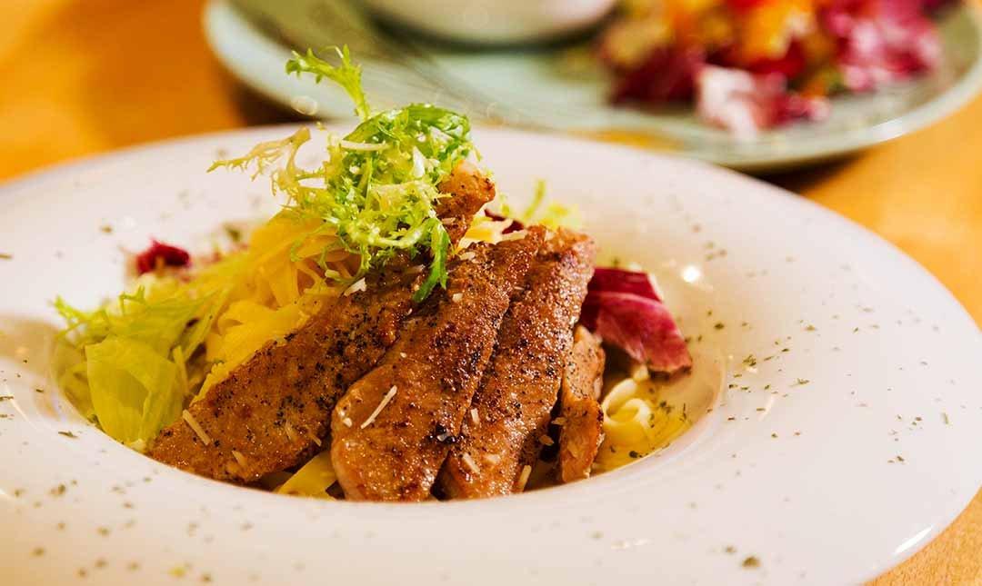 Mocktini 概念調飲餐館-輕食料理 | 主餐升級成套餐
