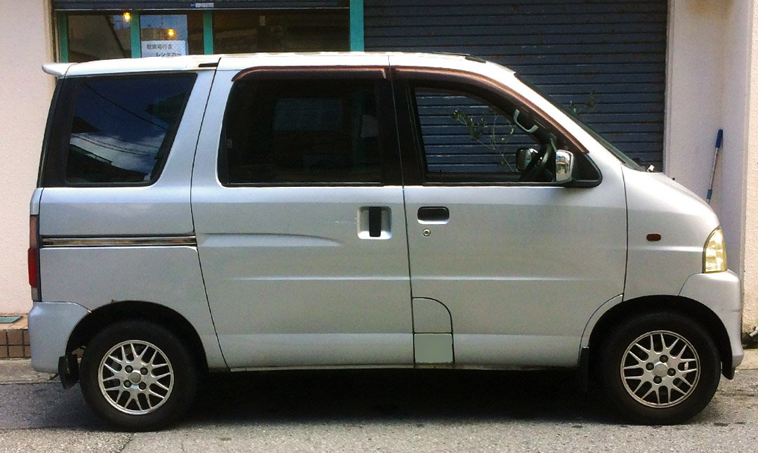 那霸租車:Flip Flop Rental Car-Daihatsu Atore 四人座輕型