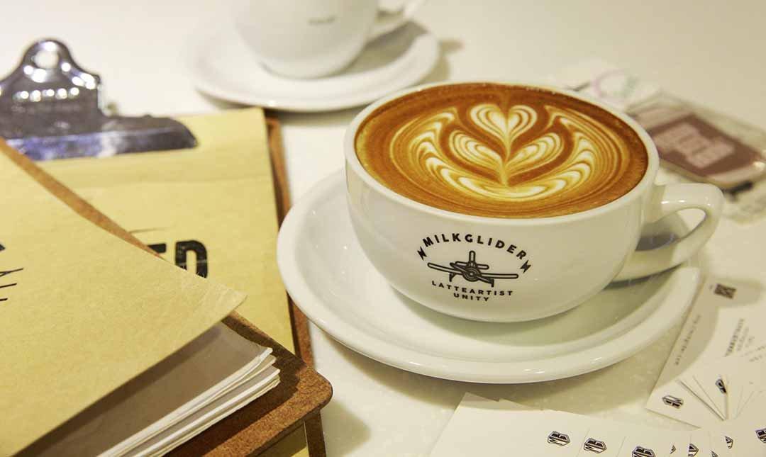 Milkglider 職人咖啡 x 拉花冠軍-美到讓人驚艷,拉花冠軍:拿鐵(大杯)