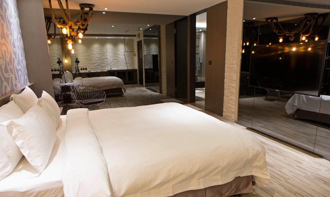 歐遊國際連鎖精品旅館 新莊館-白金雙人套房 3h
