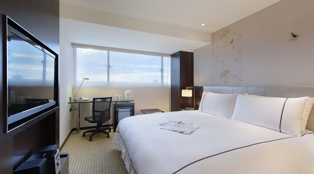 柯達大飯店 台北敦南店-商務大床房 12h|含車位 + 贈水果酒