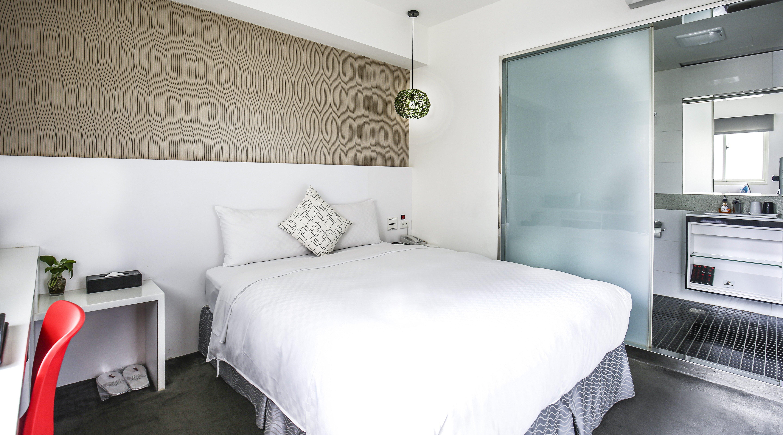 新尚旅店-浴缸大床房