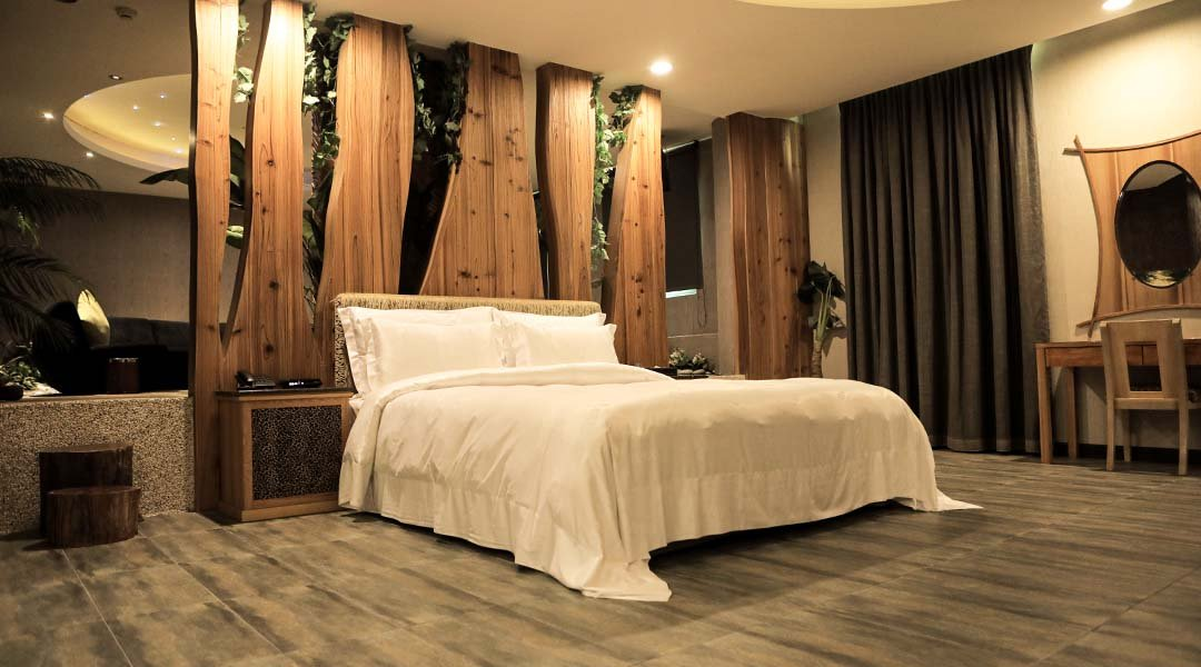 OHYA Boutique Motel ( Xinying )-VIP Suite with Garage & KTV for 4 Pax