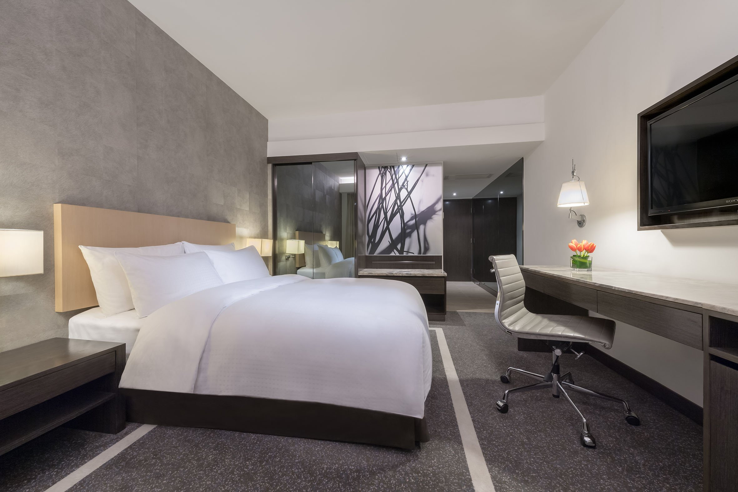 港威酒店 Gateway Hotel-高級客房|饗樂 • 購物 • 悠閒之選 住宿優惠 (餐飲回贈價值港幣600元)