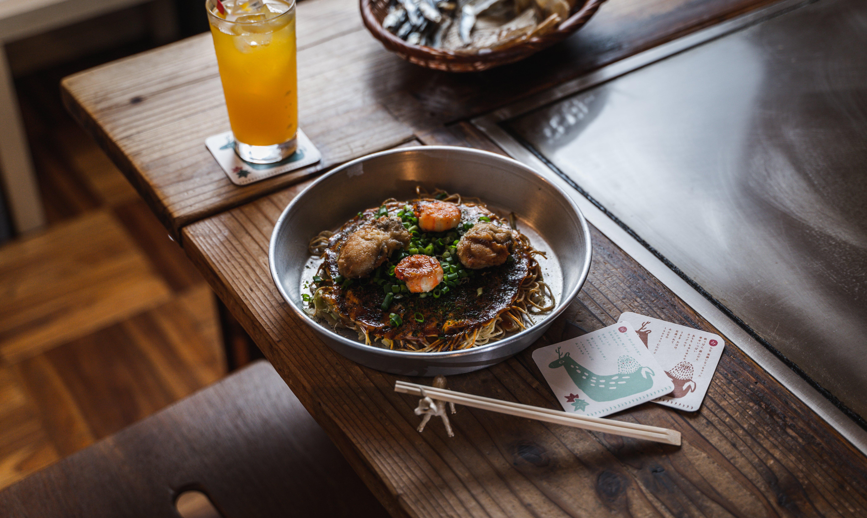 teppan 仁六-廣島牡蠣佐鮮蝦炸花枝口味廣島燒|付 1 杯飲品