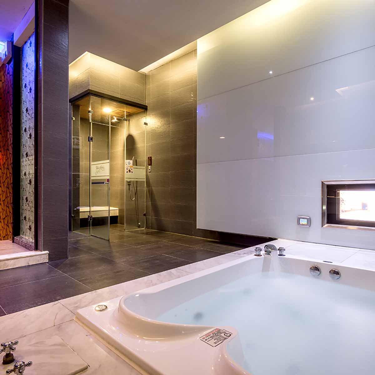double-size-bath