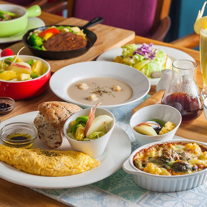 omelette-and-side-dish