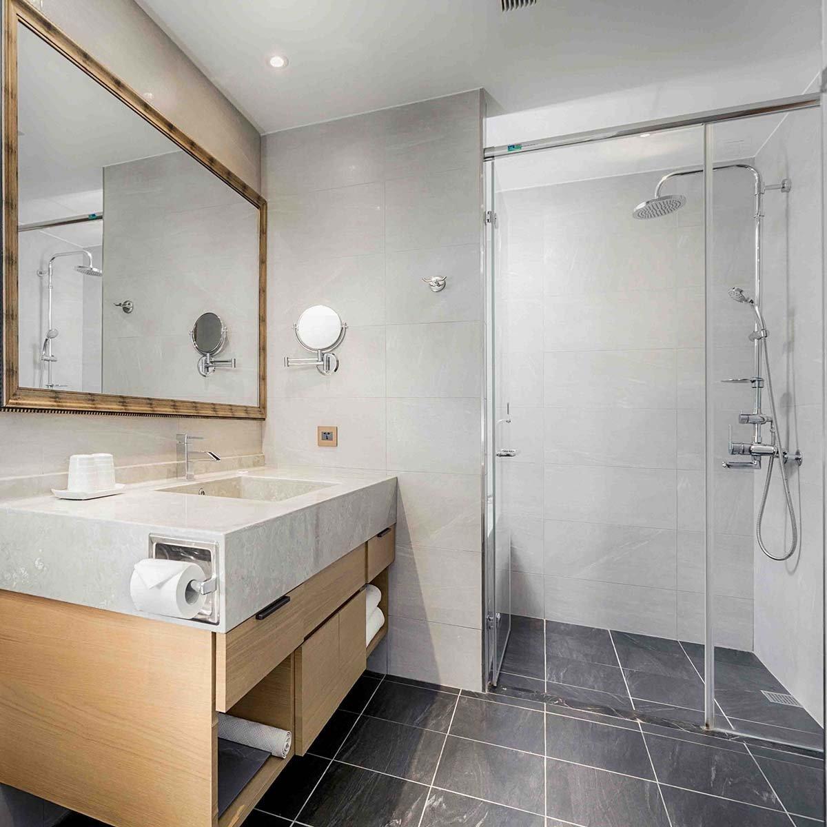 marble-bathroom